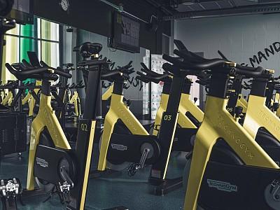 Centro_Deportivo_Mandor_sala_ciclo_entrenamiento
